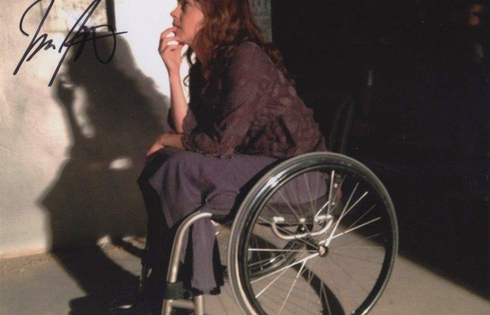 Signed 8x10 Fiona Dourif (Curse of Chucky) A