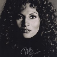 Signed 8x10 Pam Grier (Jackie Brown) B